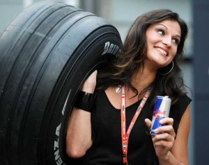f1-site-formel-1-pit-babes-wallpaper_large_1